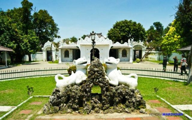 Ox Statue in Kawandaru Garden (Courtesy of Google)